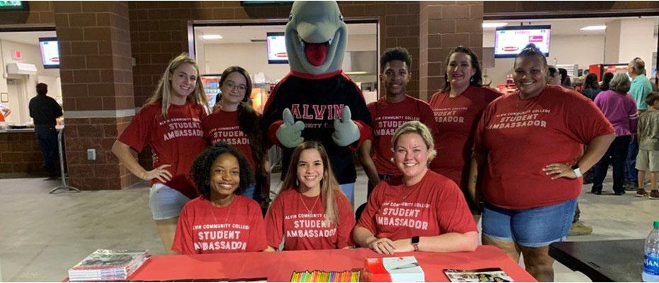 Picture of Student Ambassadors during a recruiting event